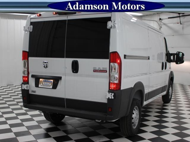 2017 ProMaster 1500 Low Roof Cargo Van #7320140 - photo 3