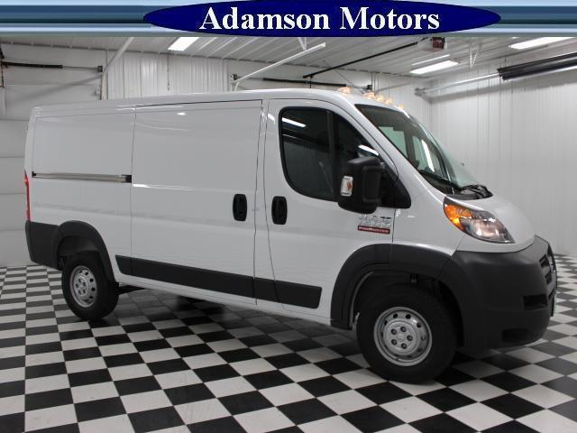 2017 ProMaster 1500 Low Roof Cargo Van #7320140 - photo 4