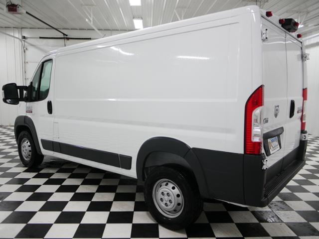 2017 ProMaster 1500 Low Roof Cargo Van #7320250 - photo 3