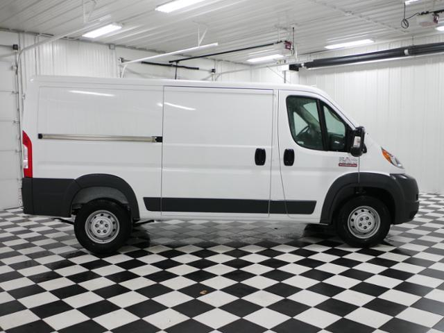 2017 ProMaster 1500 Low Roof Cargo Van #7320250 - photo 5