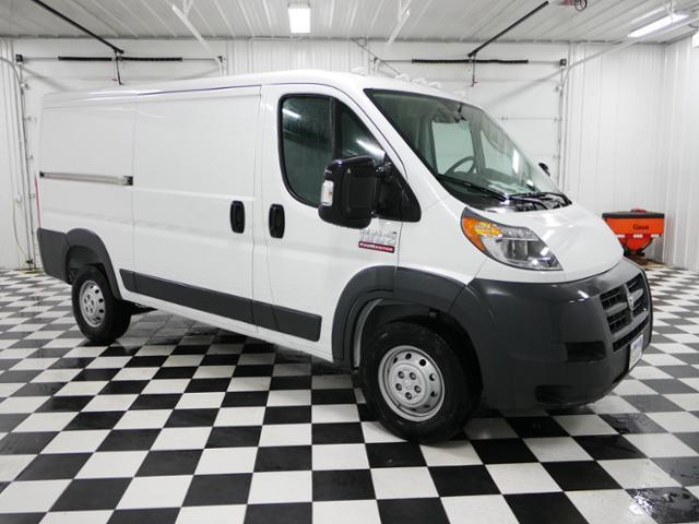 2017 ProMaster 1500 Low Roof Cargo Van #7320250 - photo 6