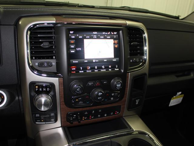 2018 Ram 1500 Crew Cab 4x4 Pickup #8210170 - photo 11