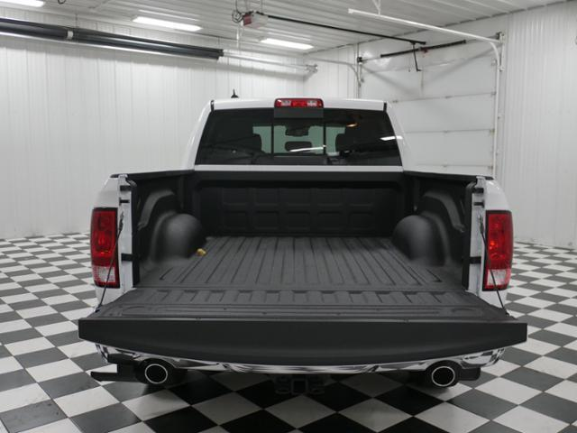 2018 Ram 1500 Crew Cab 4x4 Pickup #8210470 - photo 11