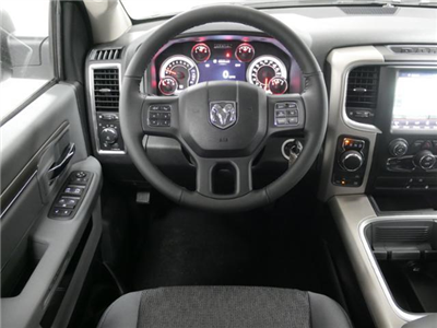 2018 Ram 1500 Crew Cab 4x4 Pickup #8210470 - photo 9