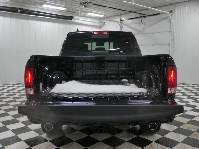 2018 Ram 1500 Crew Cab 4x4, Pickup #8210940 - photo 11
