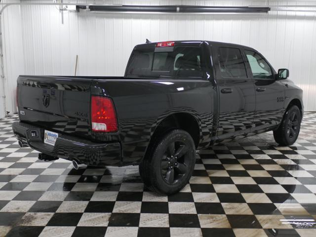 2018 Ram 1500 Crew Cab 4x4, Pickup #8210940 - photo 3