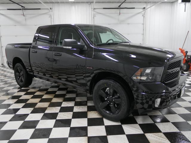 2018 Ram 1500 Crew Cab 4x4, Pickup #8210940 - photo 5