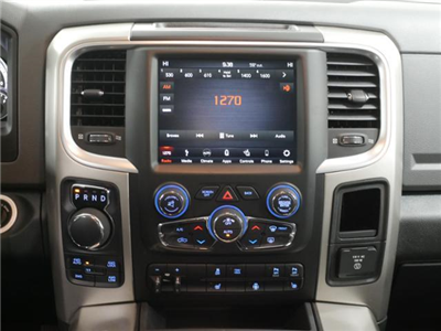 2018 Ram 1500 Crew Cab 4x4, Pickup #8210960 - photo 10