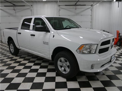 2018 Ram 1500 Crew Cab 4x4, Pickup #8211220 - photo 5