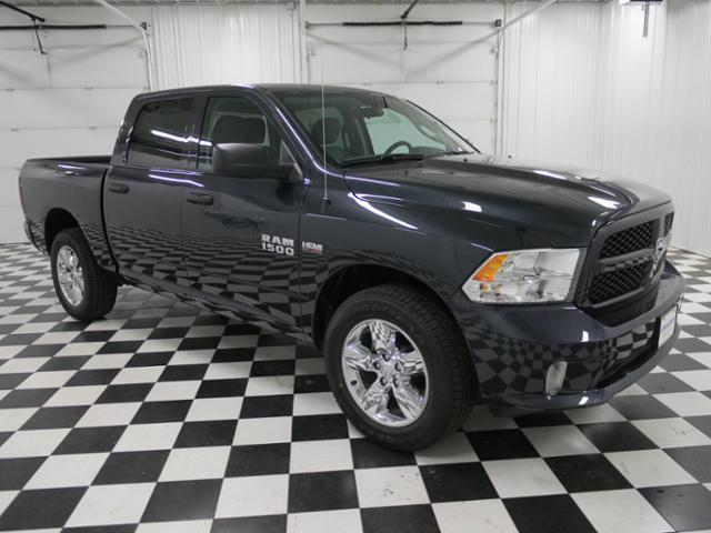 2018 Ram 1500 Crew Cab 4x4, Pickup #8211340 - photo 5