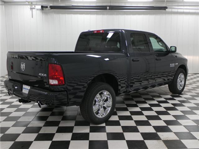 2018 Ram 1500 Crew Cab 4x4, Pickup #8211340 - photo 3