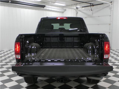 2018 Ram 1500 Crew Cab 4x4, Pickup #8211370 - photo 11