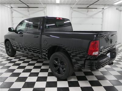 2018 Ram 1500 Crew Cab 4x4, Pickup #8211380 - photo 2