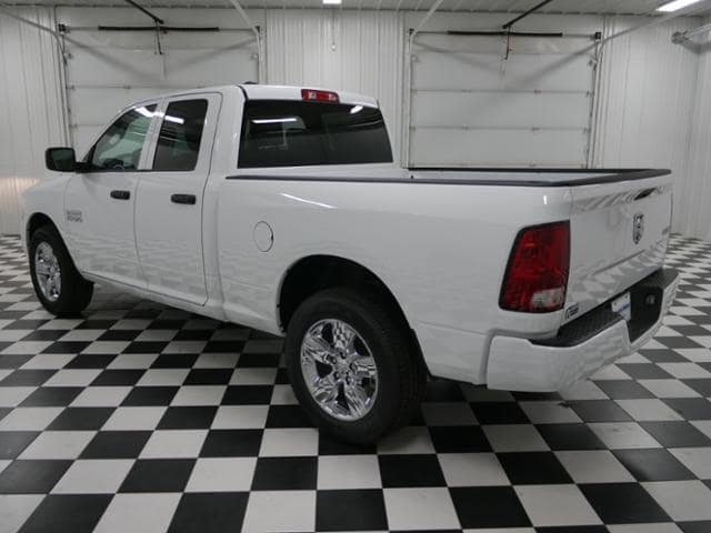 2018 Ram 1500 Quad Cab 4x4,  Pickup #8211680 - photo 2