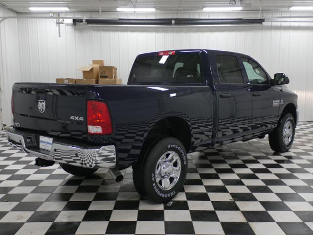2018 Ram 3500 Crew Cab 4x4,  Pickup #8212080 - photo 3