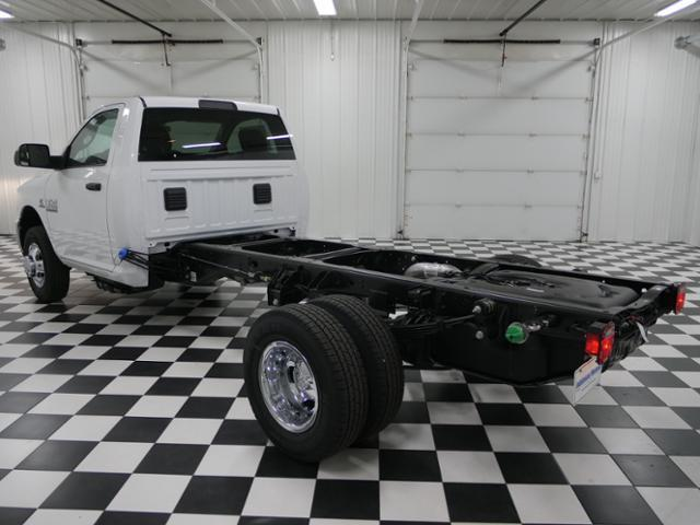 2018 Ram 3500 Regular Cab DRW 4x4 Cab Chassis #8220030 - photo 2