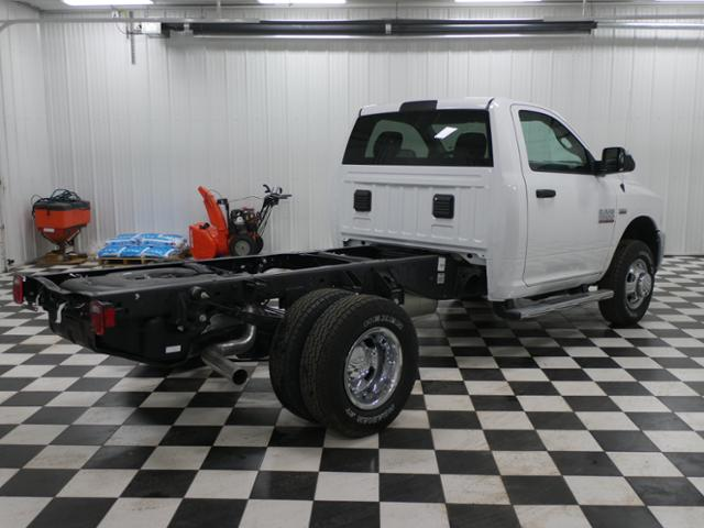 2018 Ram 3500 Regular Cab DRW 4x4,  Cab Chassis #8220130 - photo 3
