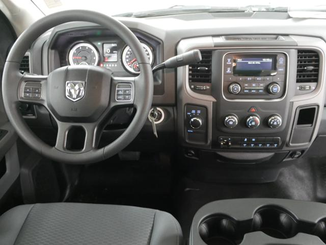 2018 Ram 3500 Regular Cab DRW 4x4,  Cab Chassis #8220130 - photo 9