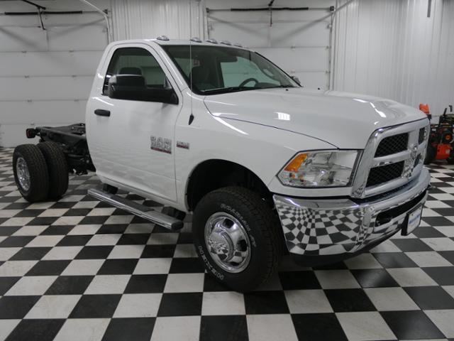 2018 Ram 3500 Regular Cab DRW 4x4, Cab Chassis #8220130 - photo 5