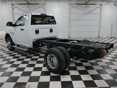 2018 Ram 3500 Regular Cab DRW 4x4, Cab Chassis #8220130 - photo 2