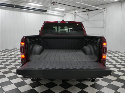 2019 Ram 1500 Crew Cab 4x4, Pickup #9210030 - photo 9