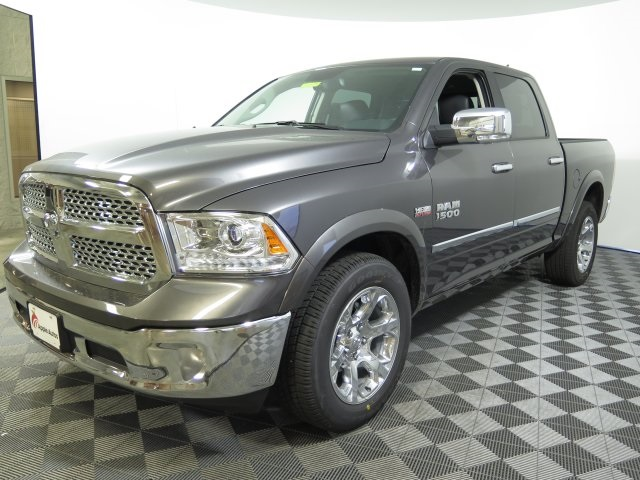 2017 Ram 1500 Crew Cab 4x4 Pickup #D1275 - photo 4