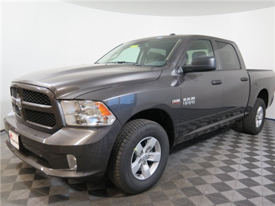 2018 Ram 1500 Crew Cab 4x4, Pickup #D1748 - photo 4