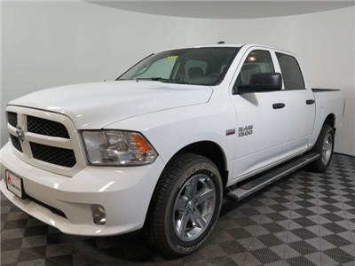 2017 Ram 1500 Crew Cab 4x4, Pickup #D1755 - photo 4
