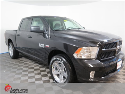 2018 Ram 1500 Crew Cab 4x4, Pickup #D1976 - photo 1