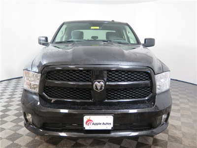 2018 Ram 1500 Crew Cab 4x4, Pickup #D1976 - photo 3