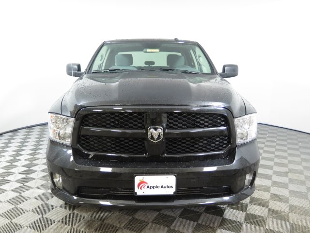 2018 Ram 1500 Crew Cab 4x4, Pickup #D1977 - photo 3