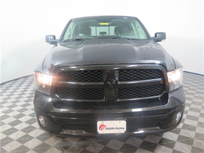 2018 Ram 1500 Crew Cab 4x4, Pickup #D2077 - photo 3