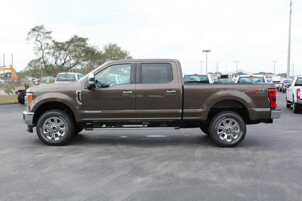 2017 F-250 Crew Cab 4x4, Pickup #7W2B1608 - photo 5
