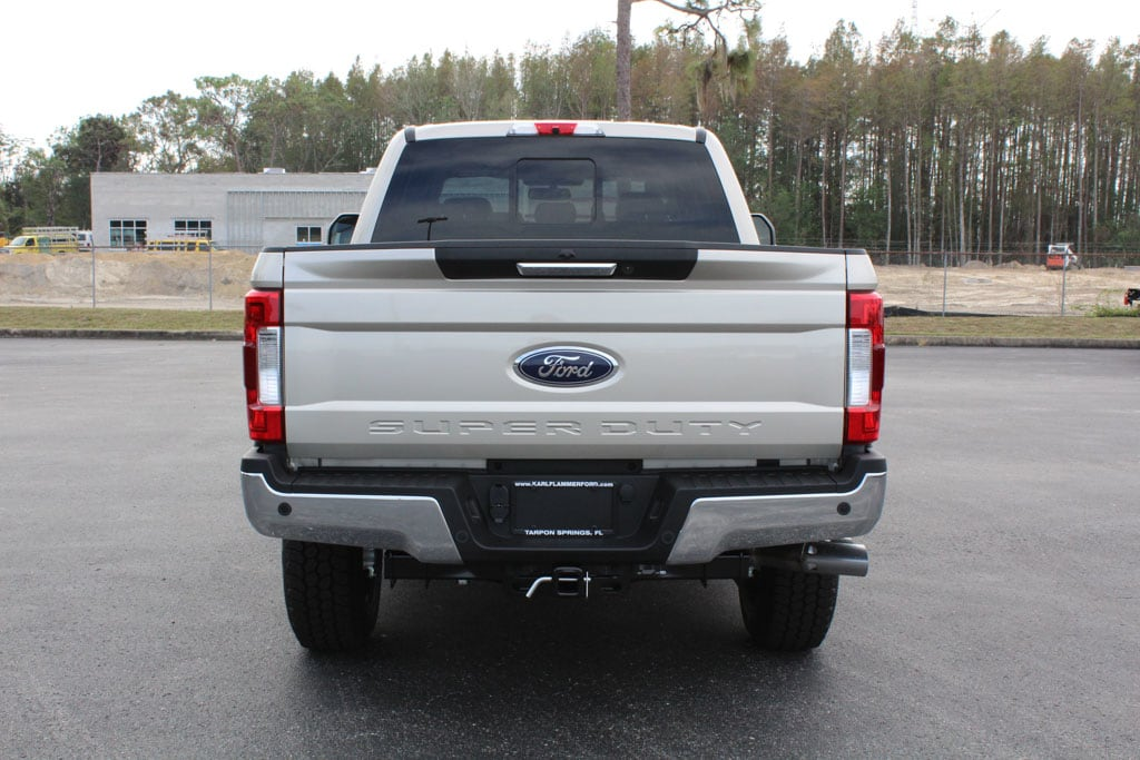 2017 F-250 Crew Cab 4x4 Pickup #7W2B1610 - photo 7