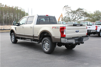 2017 F-250 Crew Cab 4x4 Pickup #7W2B1610 - photo 6