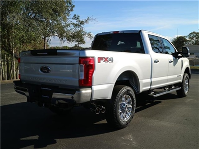 2017 F-250 Crew Cab 4x4 Pickup #7W2B3656 - photo 2