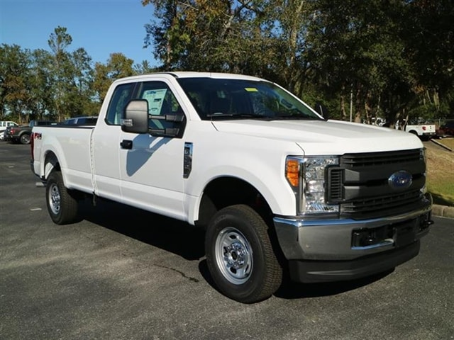 2017 F-250 Super Cab 4x4 Pickup #7X2B3657 - photo 1