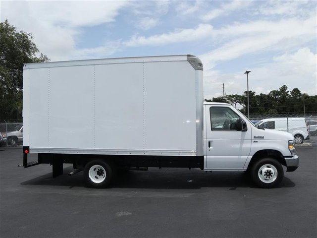 2018 E-350 4x2,  Rockport Cutaway Van #8E3F1699 - photo 4