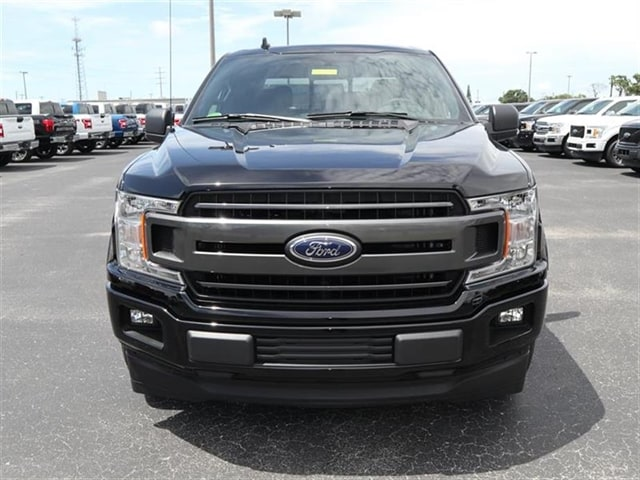 2018 F-150 SuperCrew Cab, Pickup #8W1C0693 - photo 3