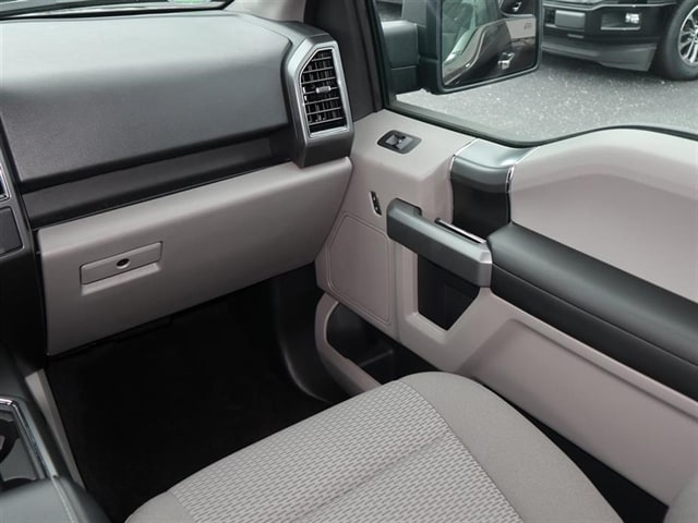 2018 F-150 SuperCrew Cab 4x2,  Pickup #8W1C4223 - photo 10