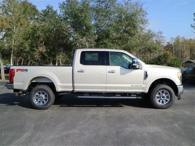 2018 F-250 Crew Cab 4x4,  Pickup #8W2B5121 - photo 4