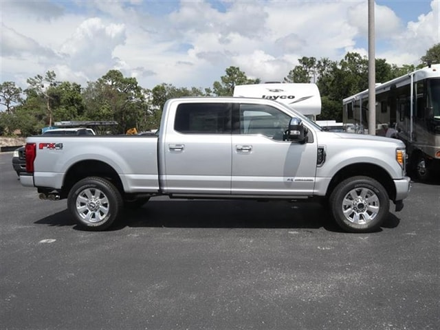 2018 F-250 Crew Cab 4x4,  Pickup #8W2B5177 - photo 2