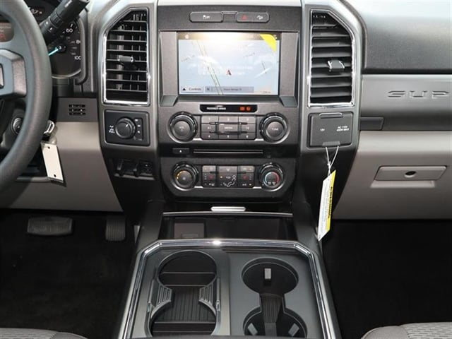 2018 F-250 Crew Cab 4x4,  Pickup #8W2B7354 - photo 9