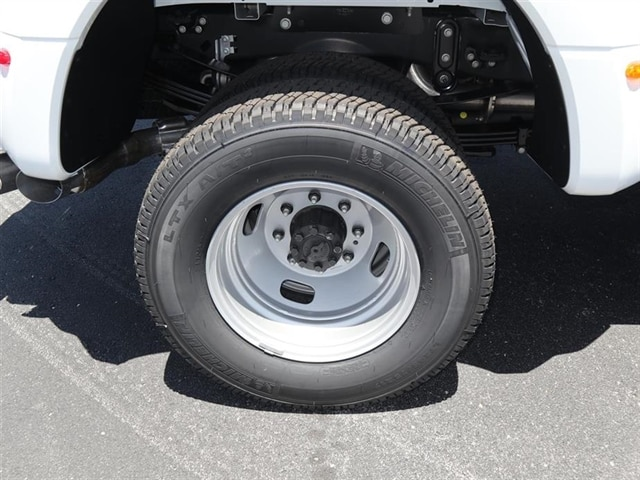 2018 F-350 Crew Cab DRW 4x4,  Pickup #8W3D5233 - photo 6