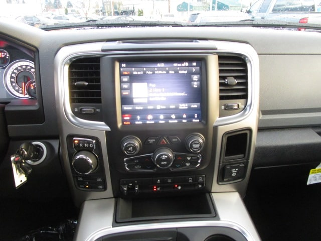 2018 Ram 1500 Crew Cab 4x4,  Pickup #087090 - photo 25