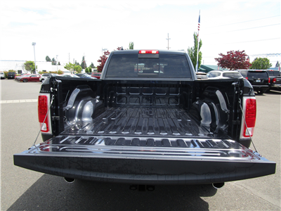 2018 Ram 1500 Crew Cab 4x4,  Pickup #087269 - photo 7