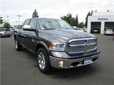 2018 Ram 1500 Crew Cab 4x4,  Pickup #087289 - photo 3
