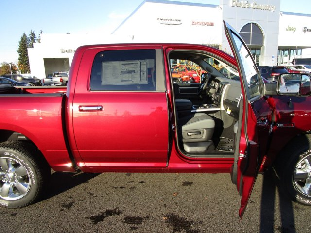 2018 Ram 1500 Crew Cab 4x4,  Pickup #087469 - photo 5
