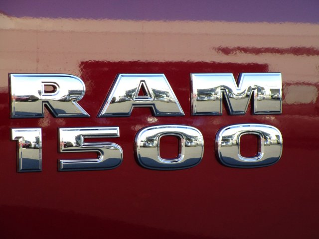 2018 Ram 1500 Crew Cab 4x4,  Pickup #087469 - photo 7