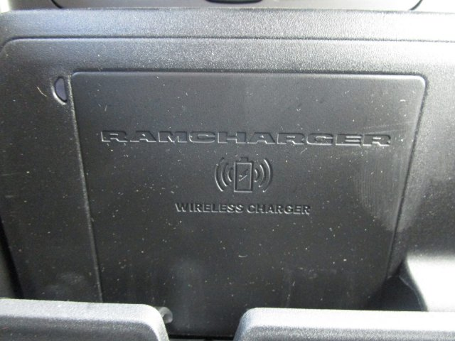 2019 Ram 1500 Crew Cab 4x4,  Pickup #097071 - photo 3